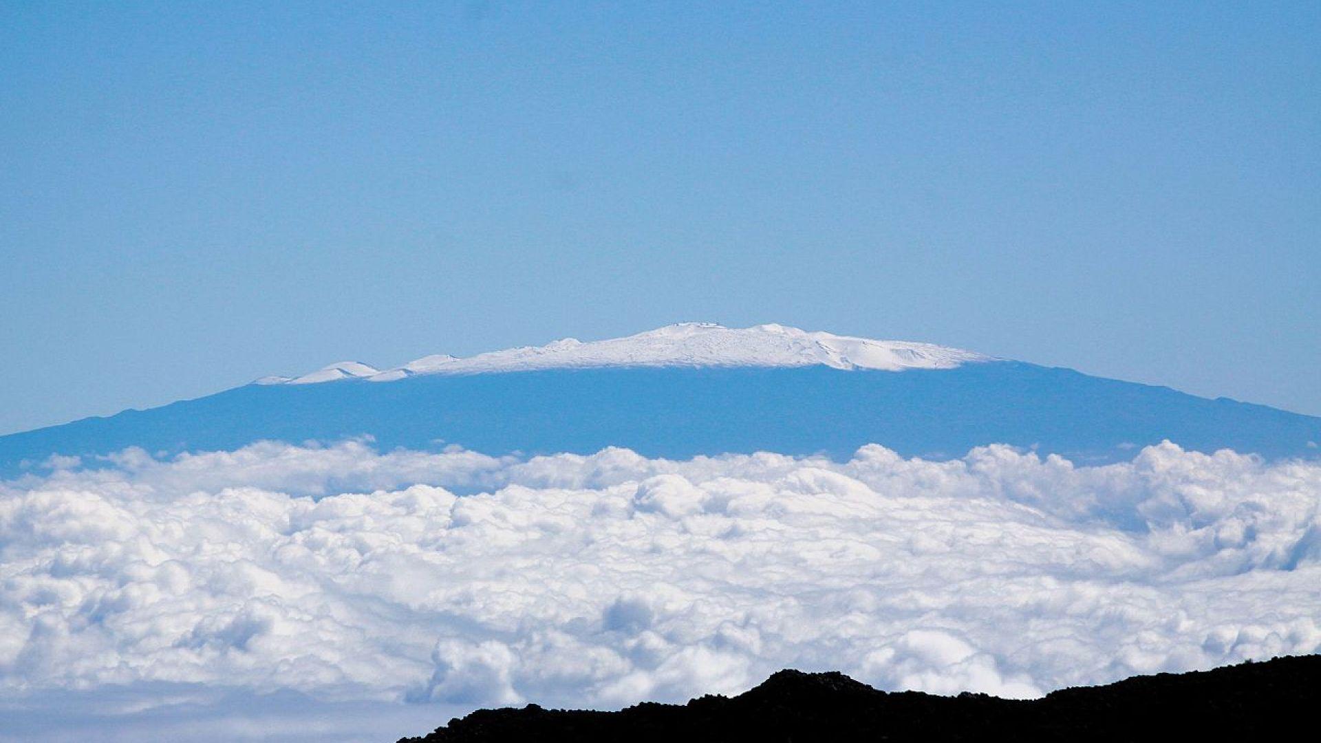 Най-високите планини в Слънчевата система