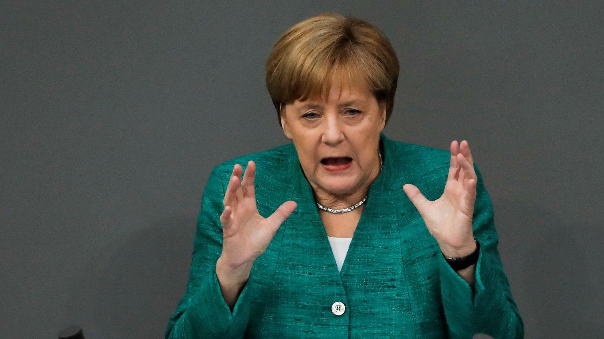 Спасяването на канцлерката Меркел: германската лидерка търси решаваща помощ от ЕС
