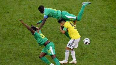 Колумбия се класира, два жълти картона пратиха Сенегал у дома