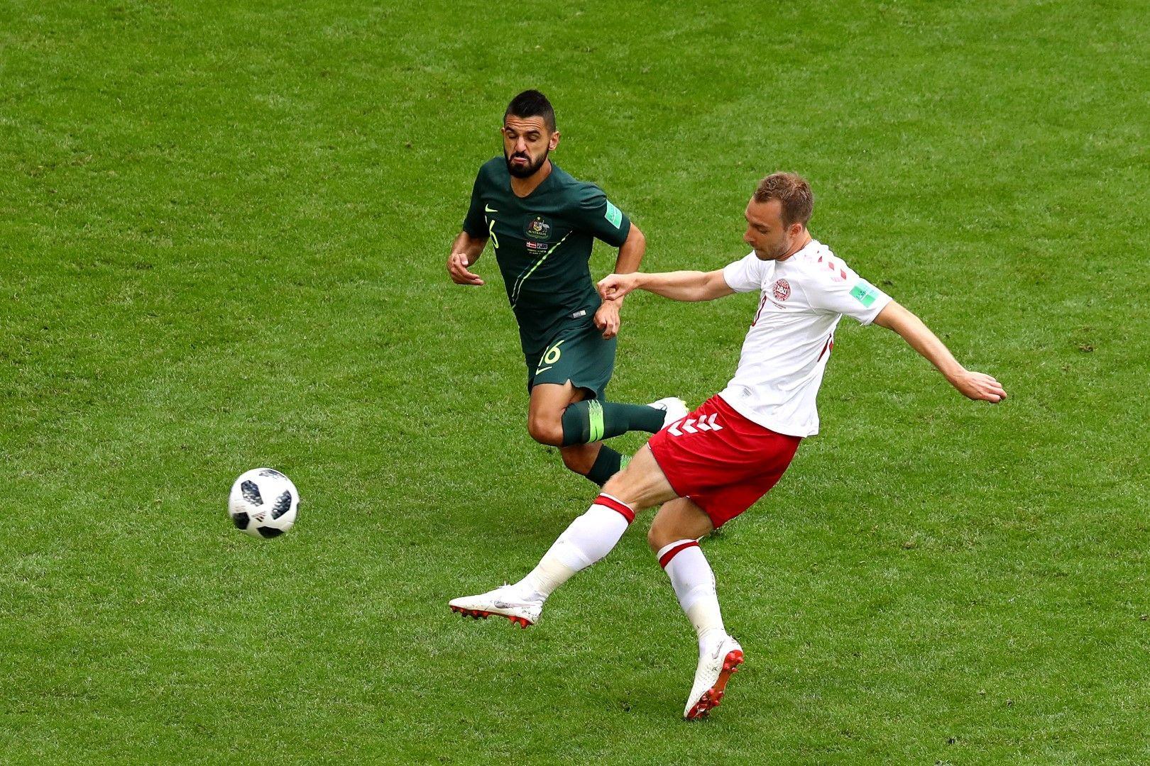 Ериксен с фамозно воле открива резултата в мача Дания - Австралия (1:1)
