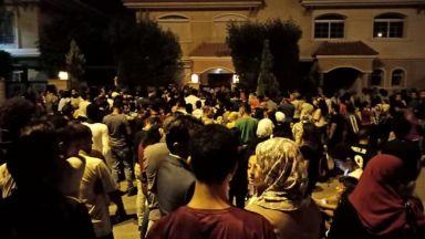 Адресът на Салах изтече в социалните мрежи, хиляди обсадиха къщата