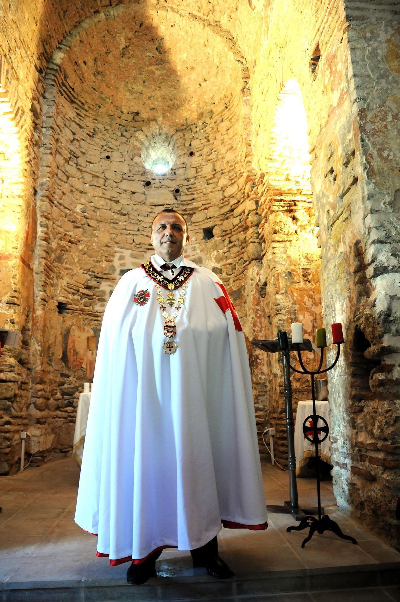 Великият приор на тамплиерите в България Румен Ралчев