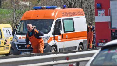 """Млад мъж загина, двама са ранени при катастрофа на АМ """"Тракия"""""""