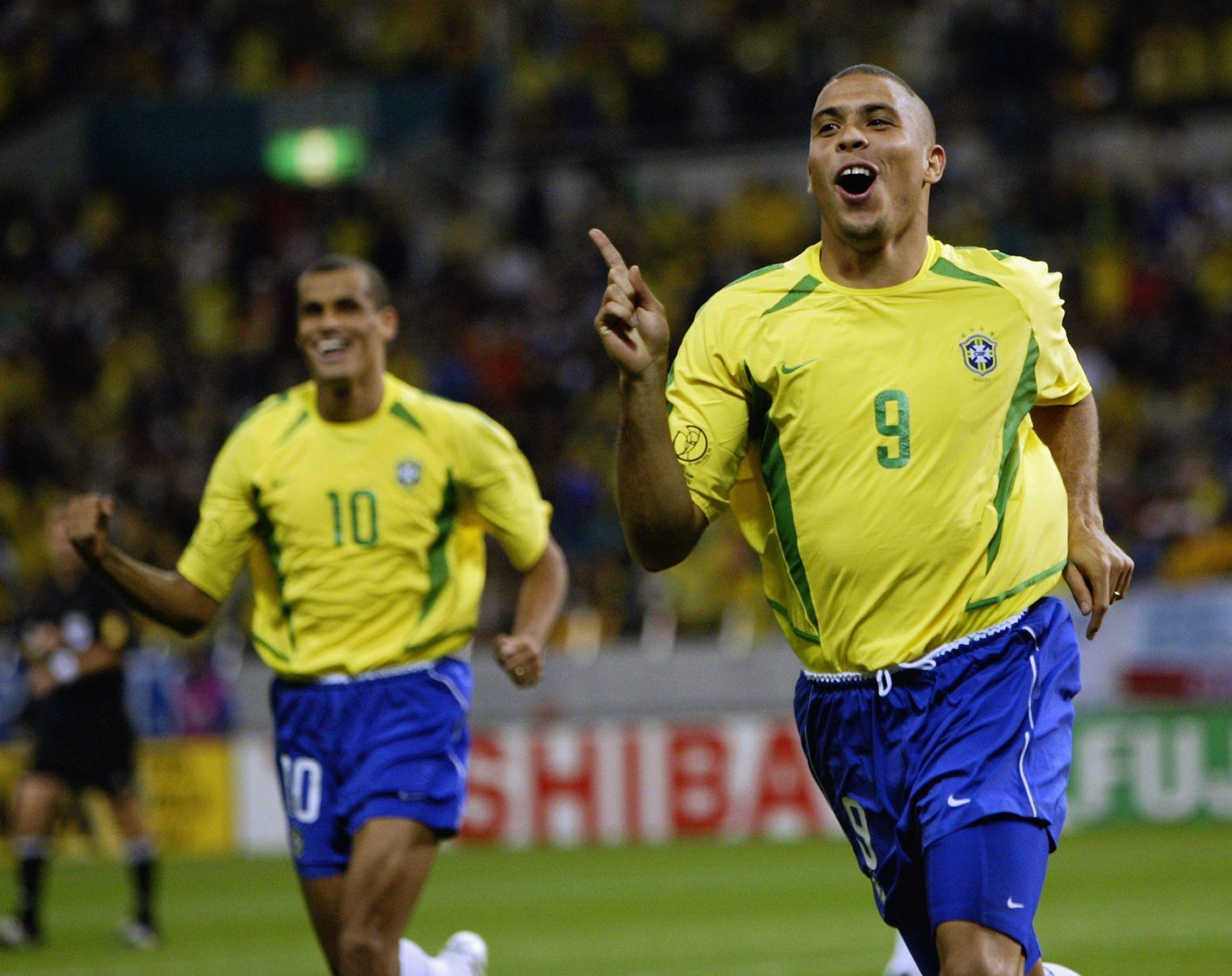 2002 г., Роналдо води Бразилия към титлата