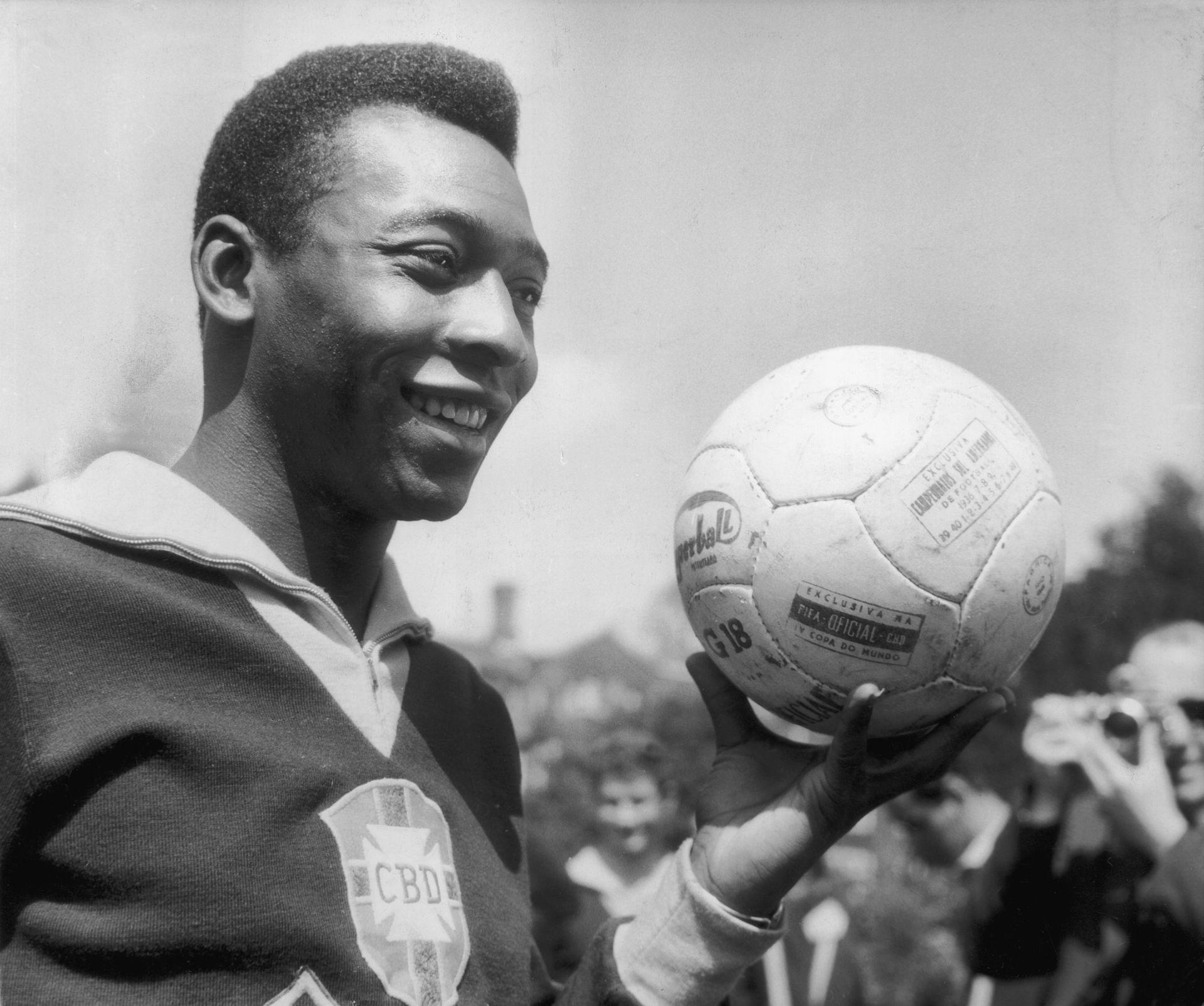 Пеле на 18 - едно слънчево хлапе, което става лице на футбола