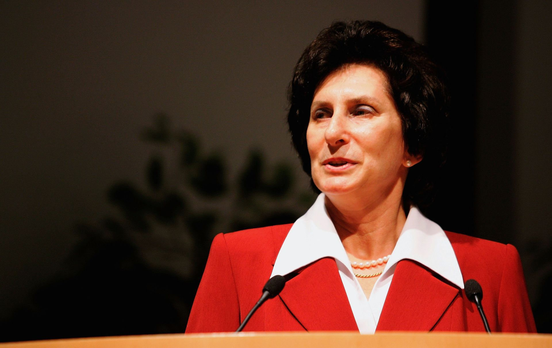 Член на МОК от 1998 г.