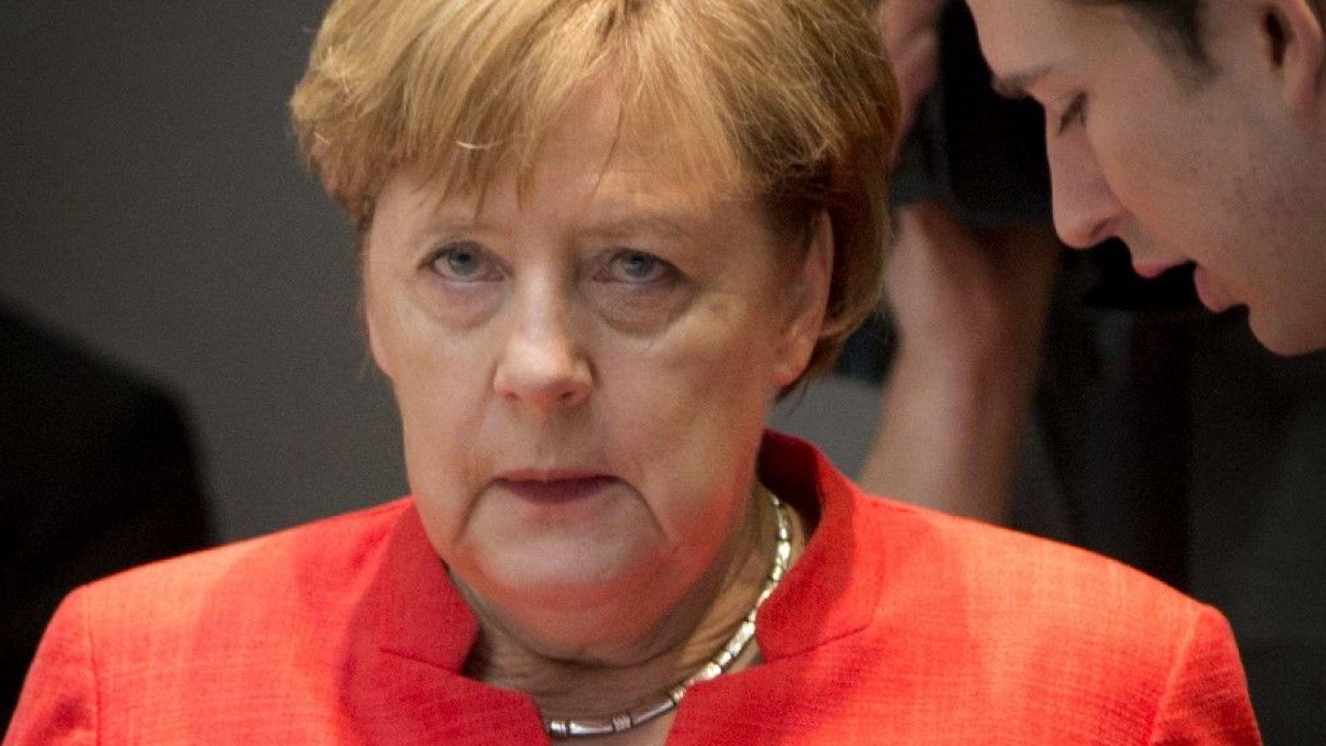Меркел може да поиска вот на доверие в Бундестага. Бавария обмисля затваряне на границата
