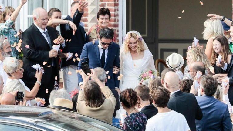 Ванеса Паради се омъжи за френски режисьор (снимки)