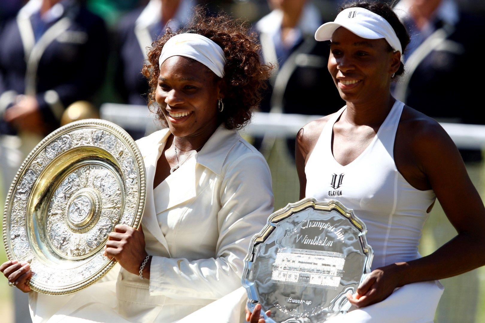 """2009 г. Сестрите Серина и Винъс на последния от общо четири финала между тях на """"Уимбълдън"""