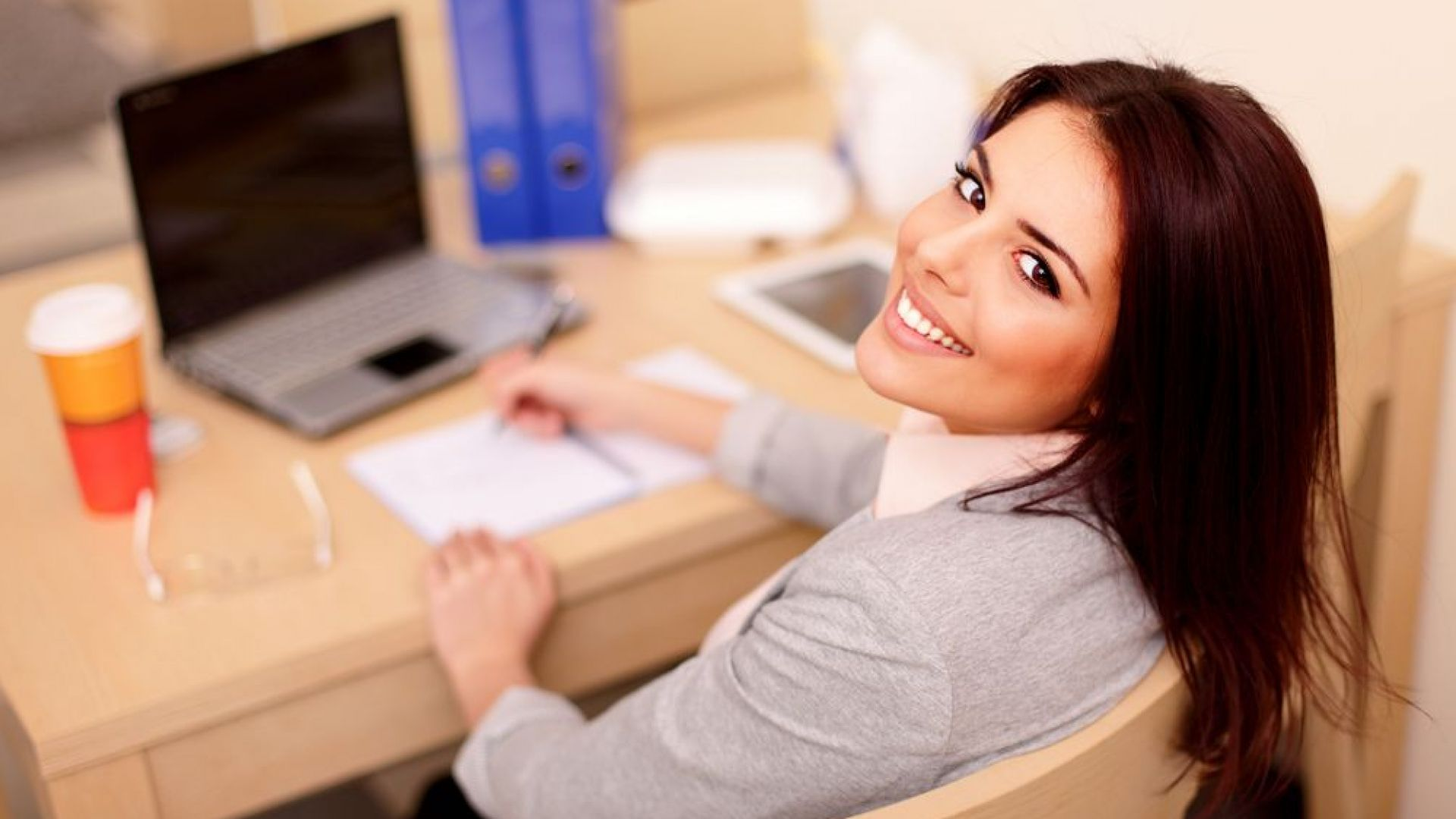 Класираха най-щастливите  и най-потискащите моменти от работния ден