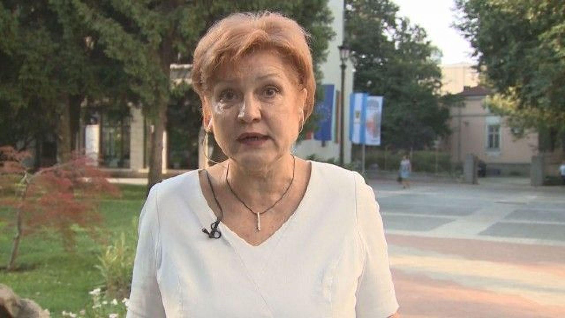 Менда Стоянова не била цигарен, а бюджетен лобист