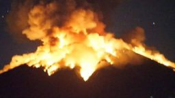 Вулканът Агунг на остров Бали отново изригна (видео)