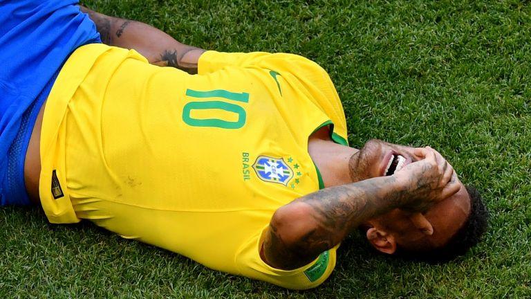Кошмарните 11 месеца на най-скъпия футболист в света