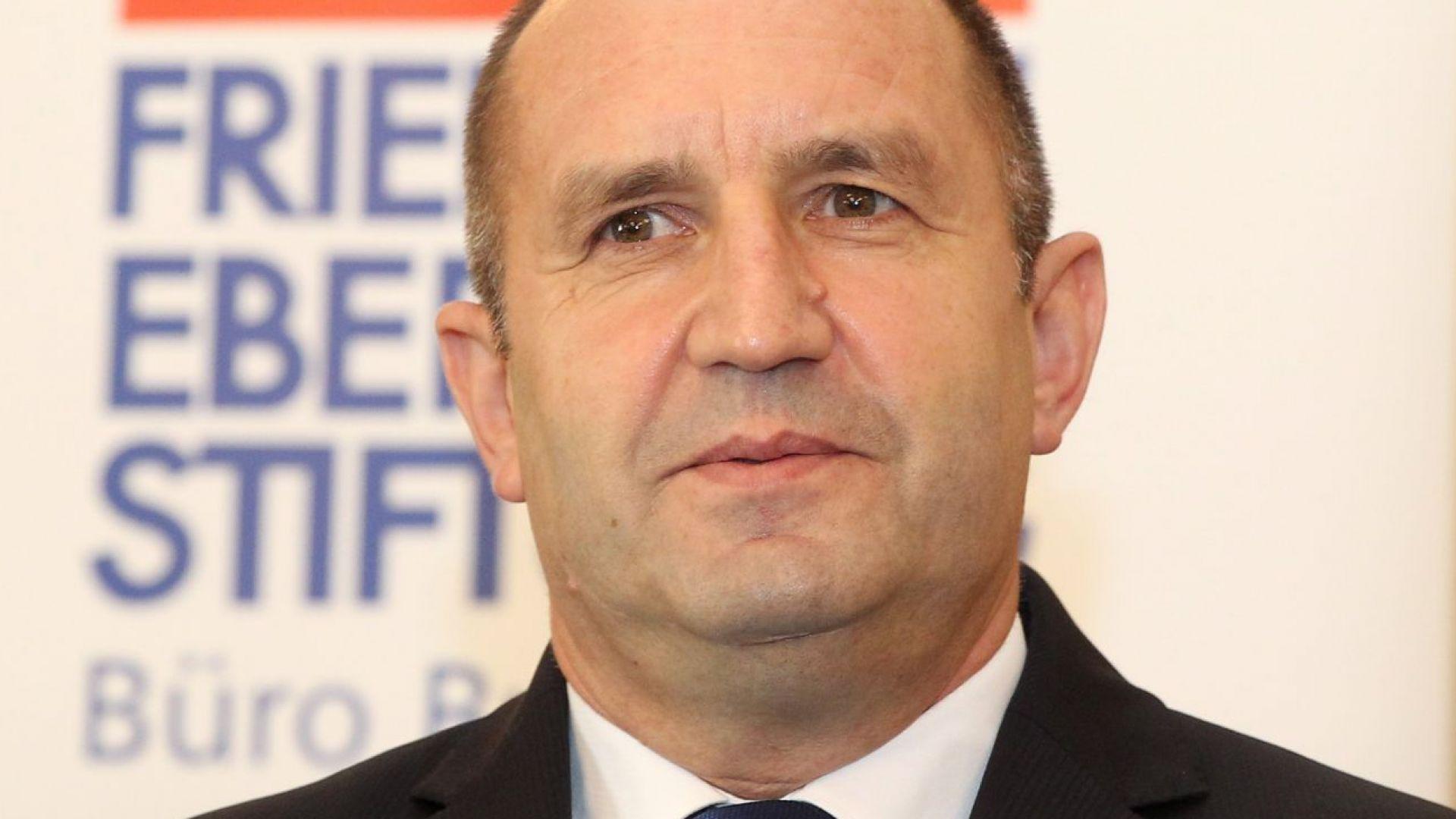 Президентът Радев: Броят на прегръдките, целувките към лидерите на ЕС не вършат работа