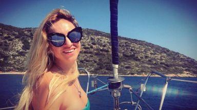 Алекс Раева на яхтено пътешествие в Гърция
