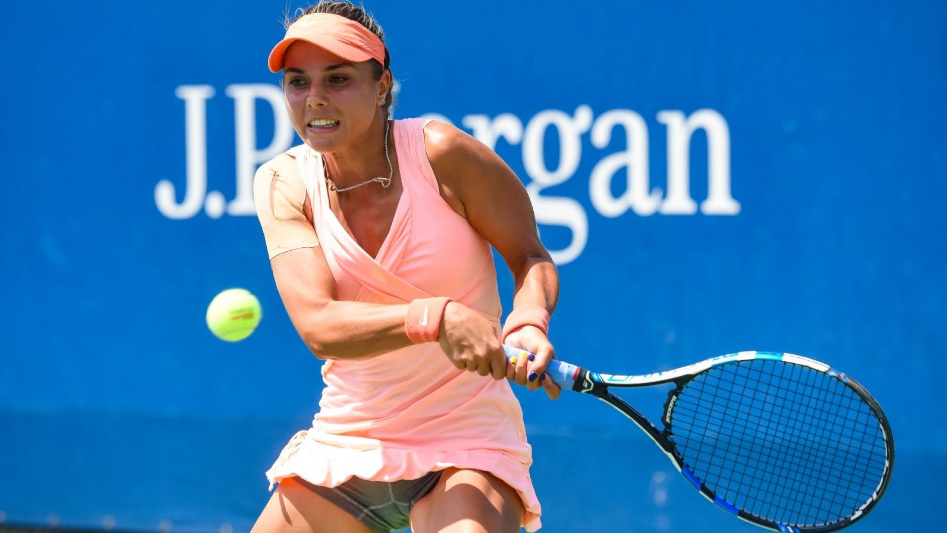 Виктория Томова се сбогува с US Open за час и половина