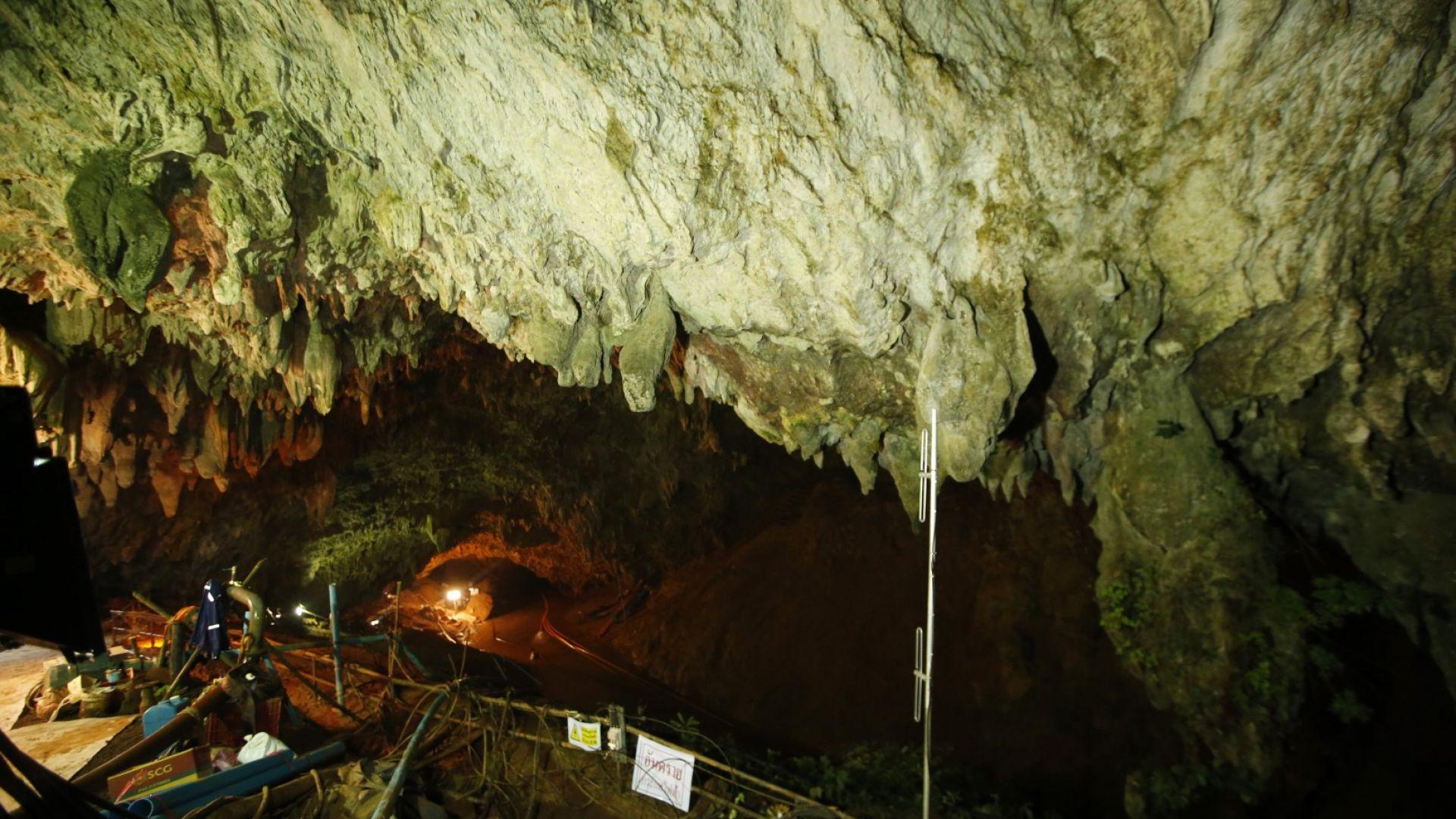 Илон Мъск праща инженери в помощ на блокираните в пещера деца