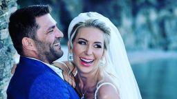 Антония и Ивайло събрали 300 гости на тайната си масонска сватба