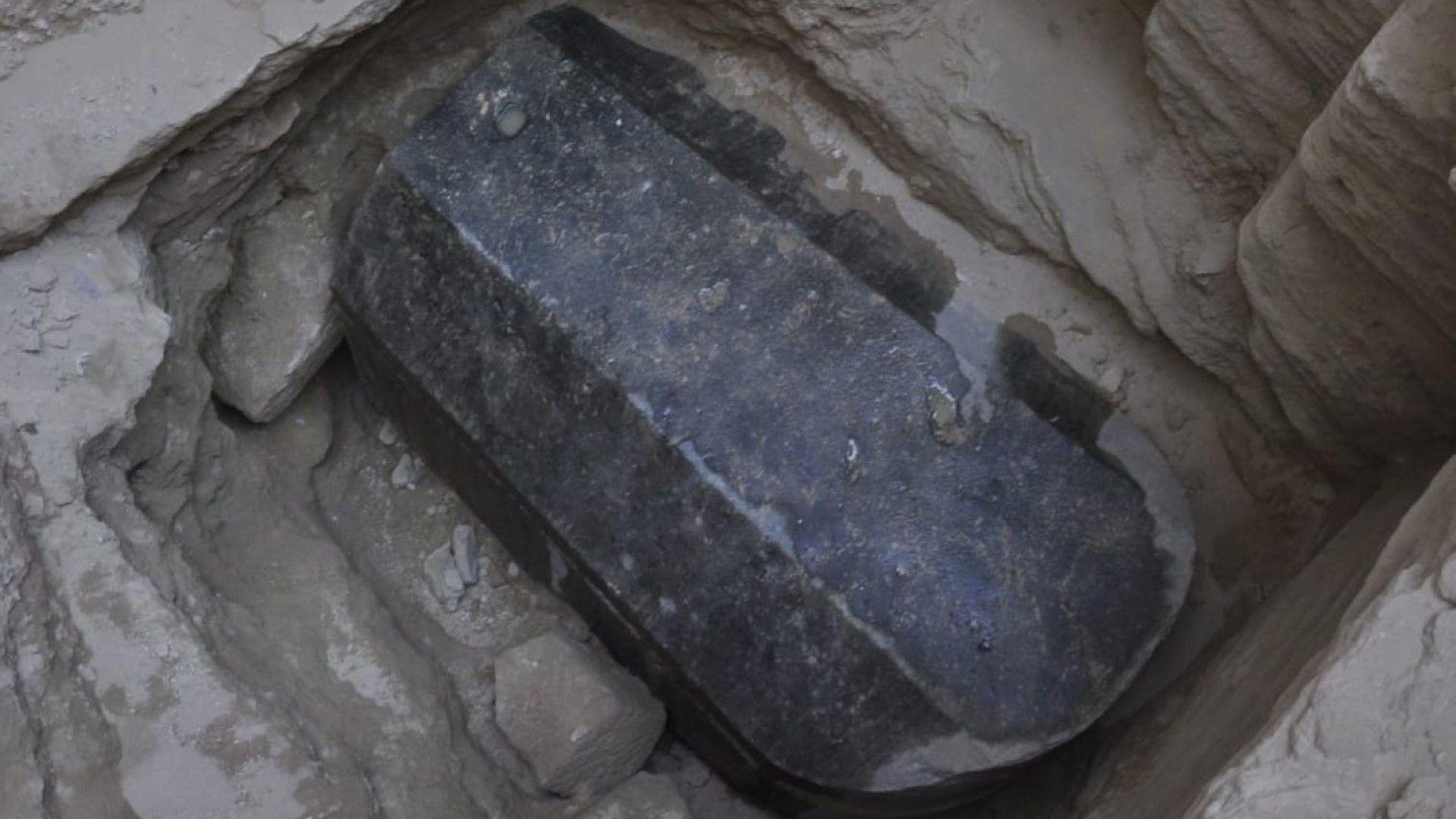 Археолози откриха саркофаг на 2000 години в Александрия