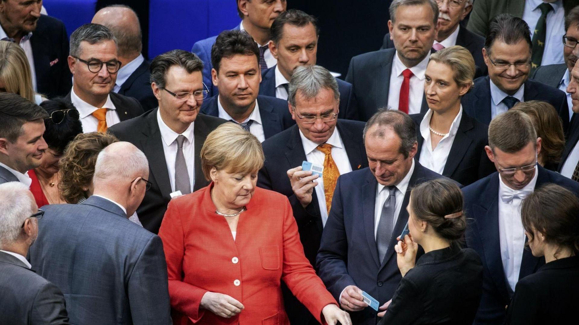 Меркел: Връщаме мигрантите в държавите, от които са дошли след  само 48 часа