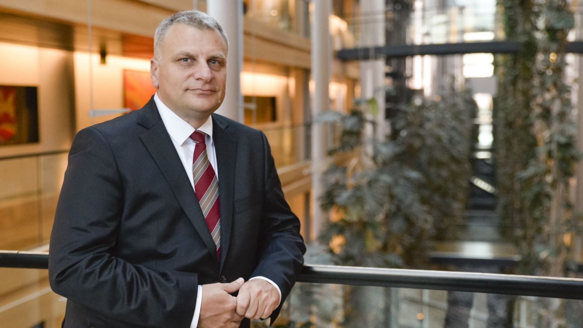 Курумбашев: ЕП си свърши работата по мобилния пакет, сега е ред на кабинета