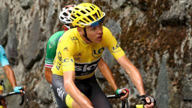"""Четирикратният шампион Фрум е все по-далеч от участие в """"Тур дьо Франс"""""""