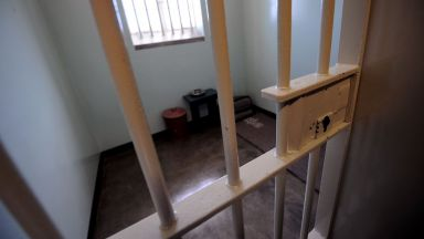 300 000 долара за нощувка в килията на Нелсън Мандела