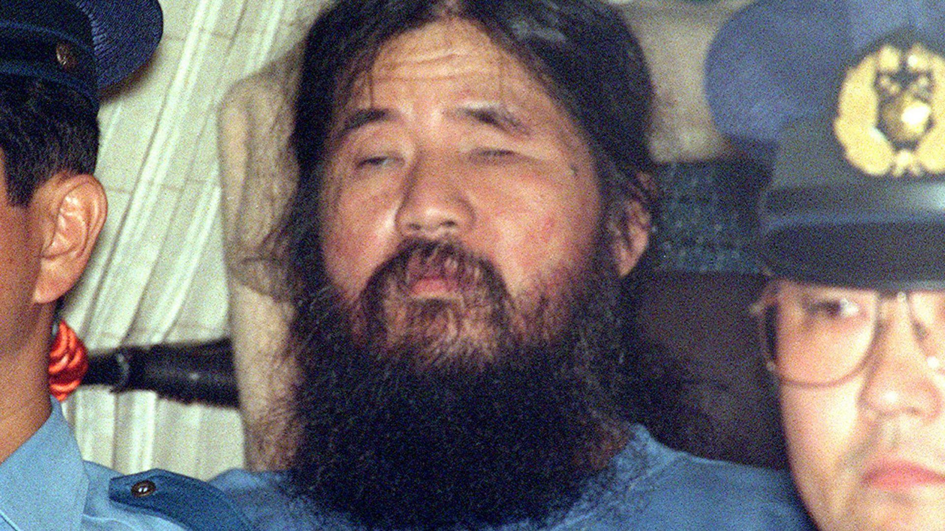 Япония екзекутира атентатори, пуснали зарин в метрото в Токио