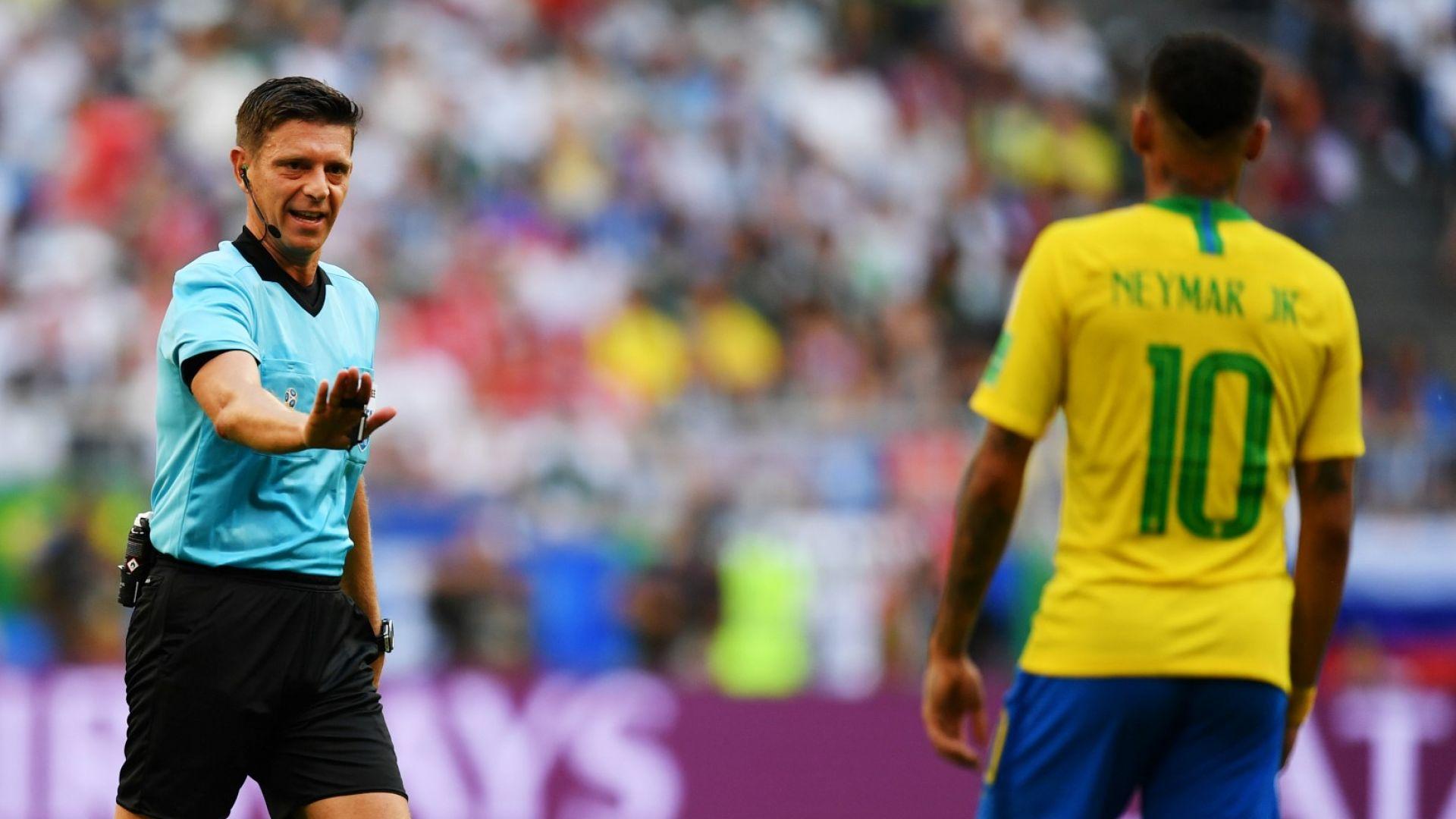 ФИФА избира между четирима съдии за финала, фаворитът е ясен