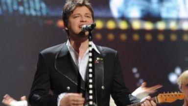 Известен македонски певец бе намерен мъртъв в колата си в Скопие