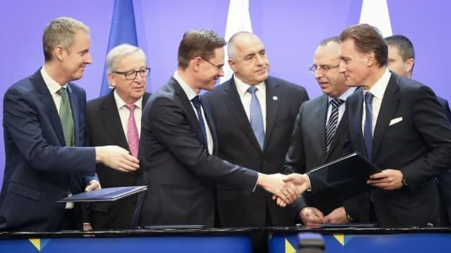 "Договорът с китайската ""Ексимбанк"" бе подписан на 6 юли"
