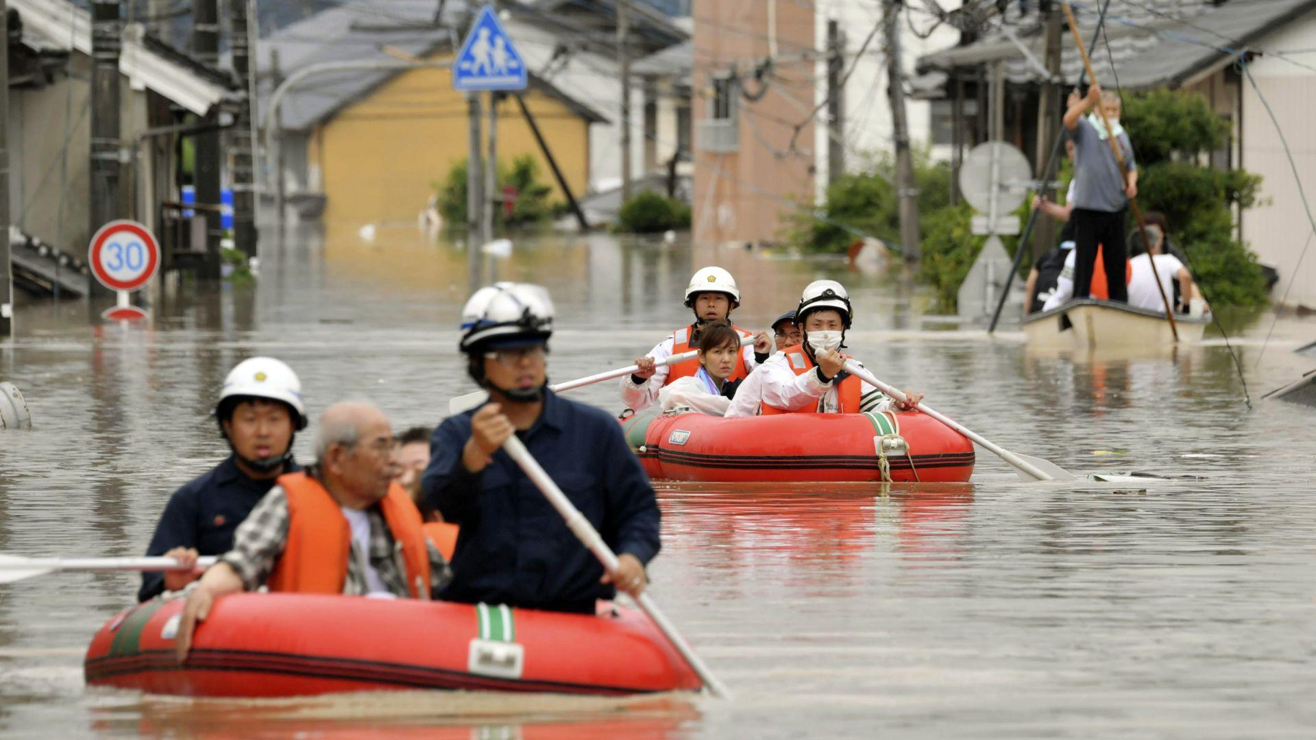МВнР: Няма бедстващи българи при наводненията в Япония