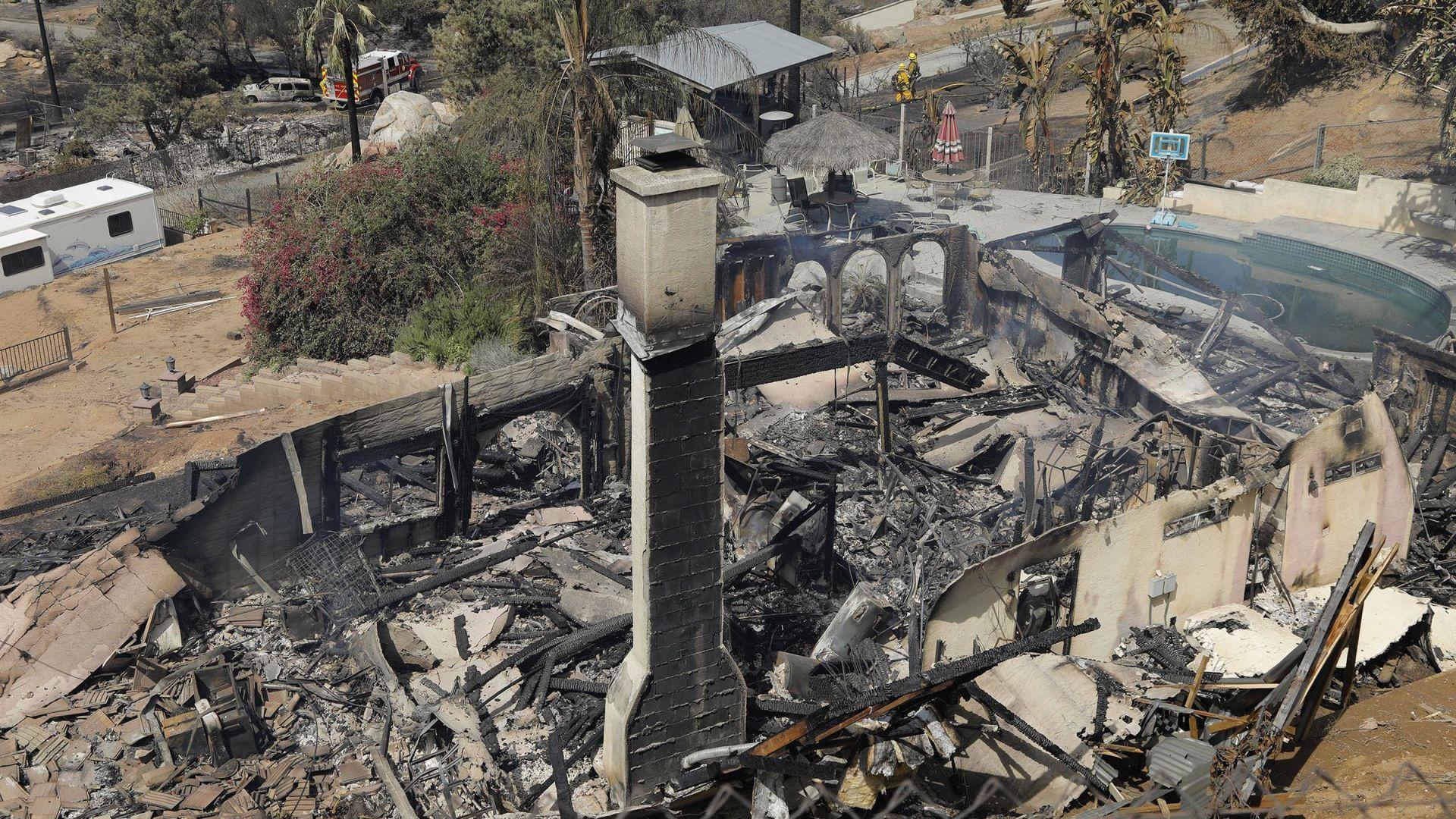 Огнен ад в Калифорния, 3200 души са евакуирани