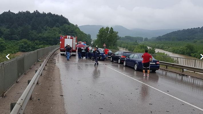 Верижна катастрофа затвори Е-79 край Мездра