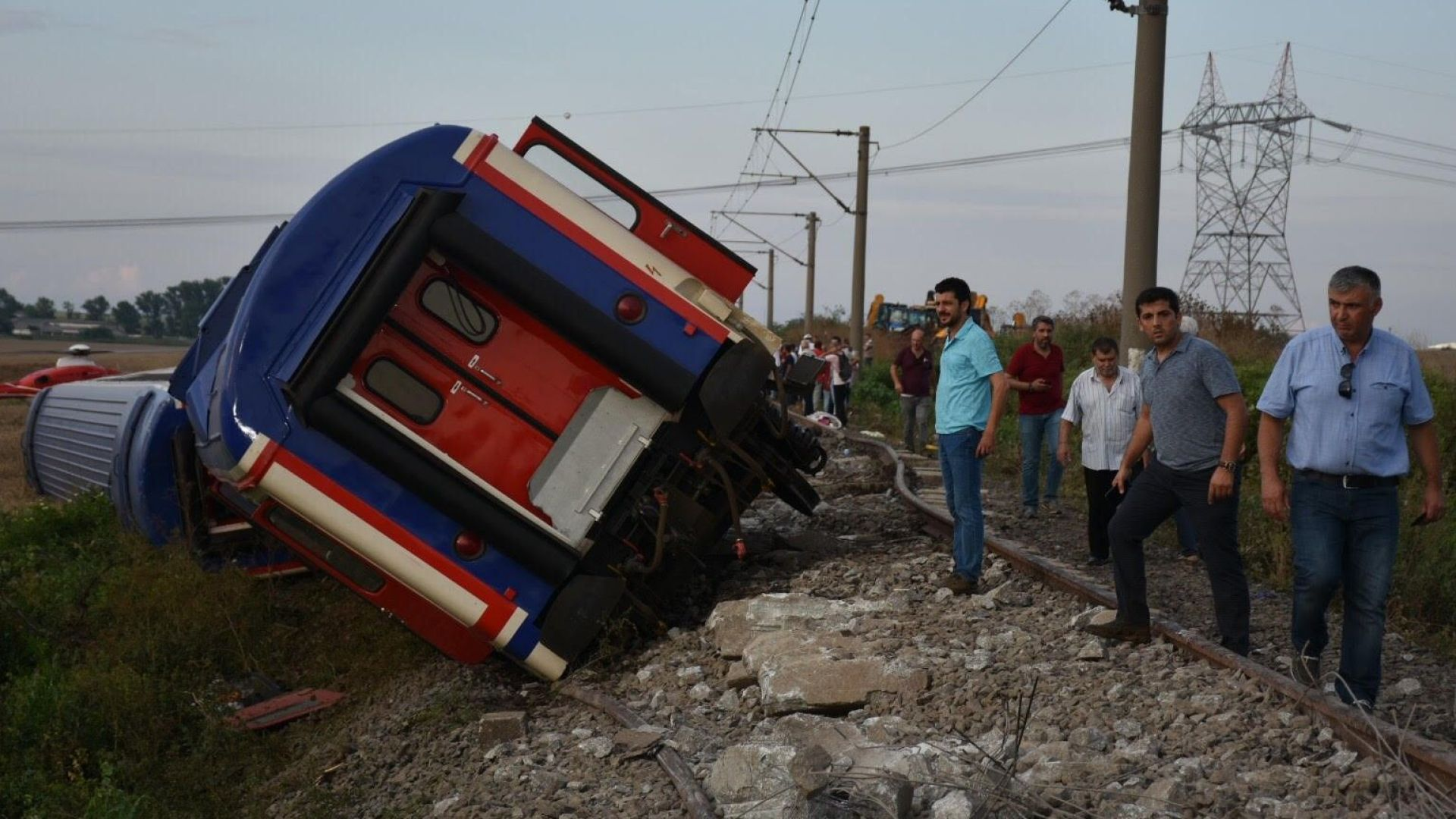 Жената и бебето на български гражданин са сред жертвите на влаковата катастрофа