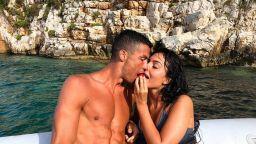 Щедрият Кристиано остави 20 хиляди евро бакшиш в Гърция