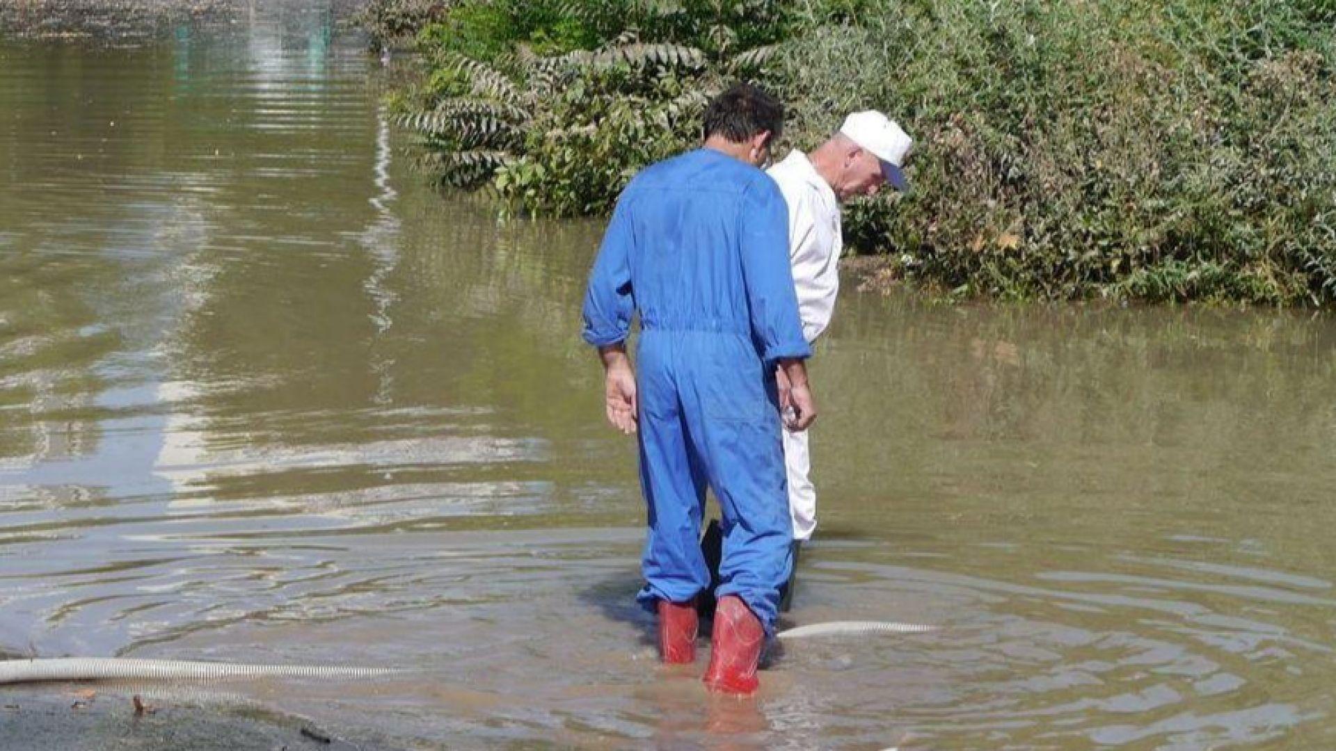 Пътят София - Варна край Велико Търново е под вода