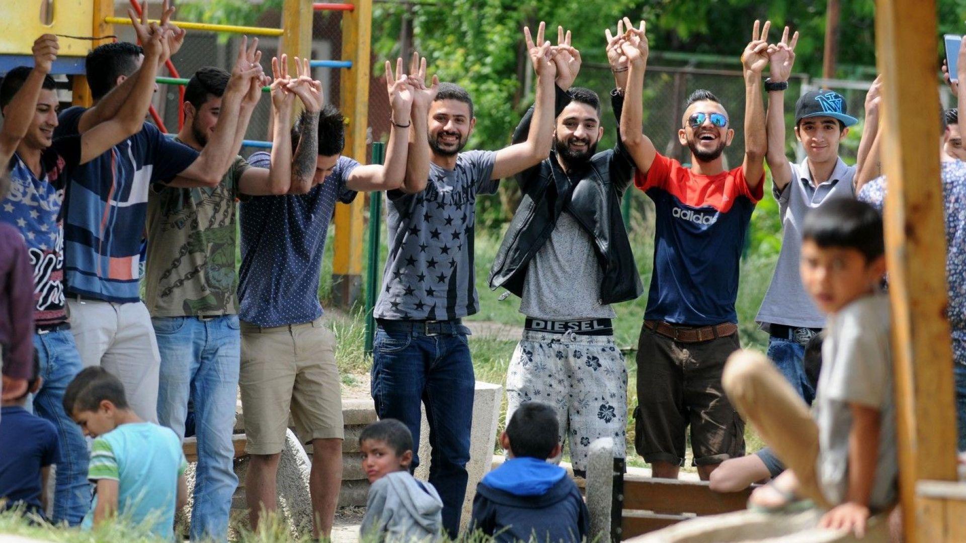 ВМРО се обяви за затваряне на мигрантските центрове в София