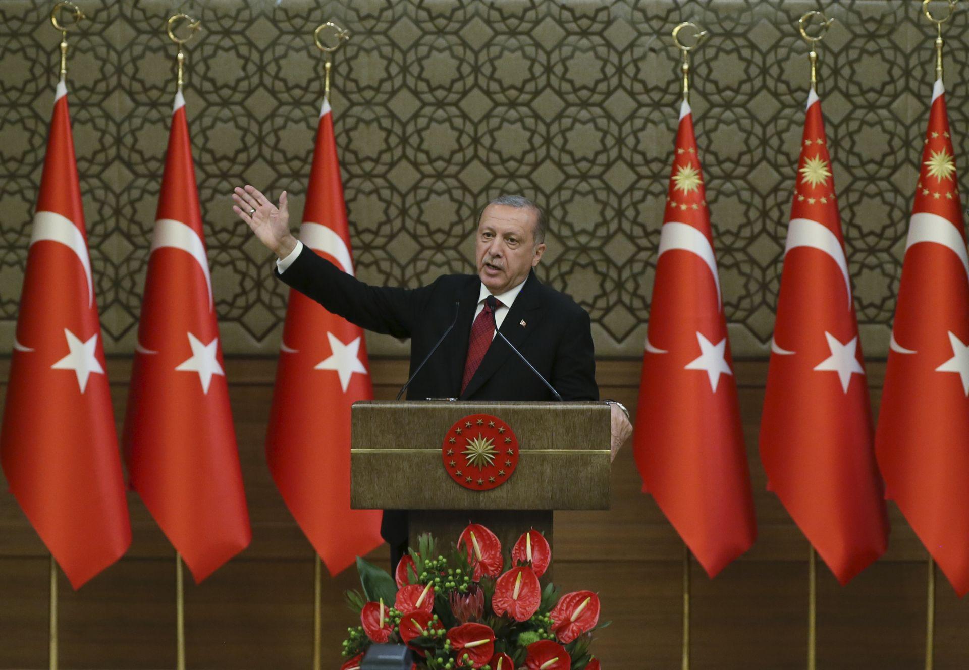 Ердоган ще има правомощия да назначава и освобождава министрите