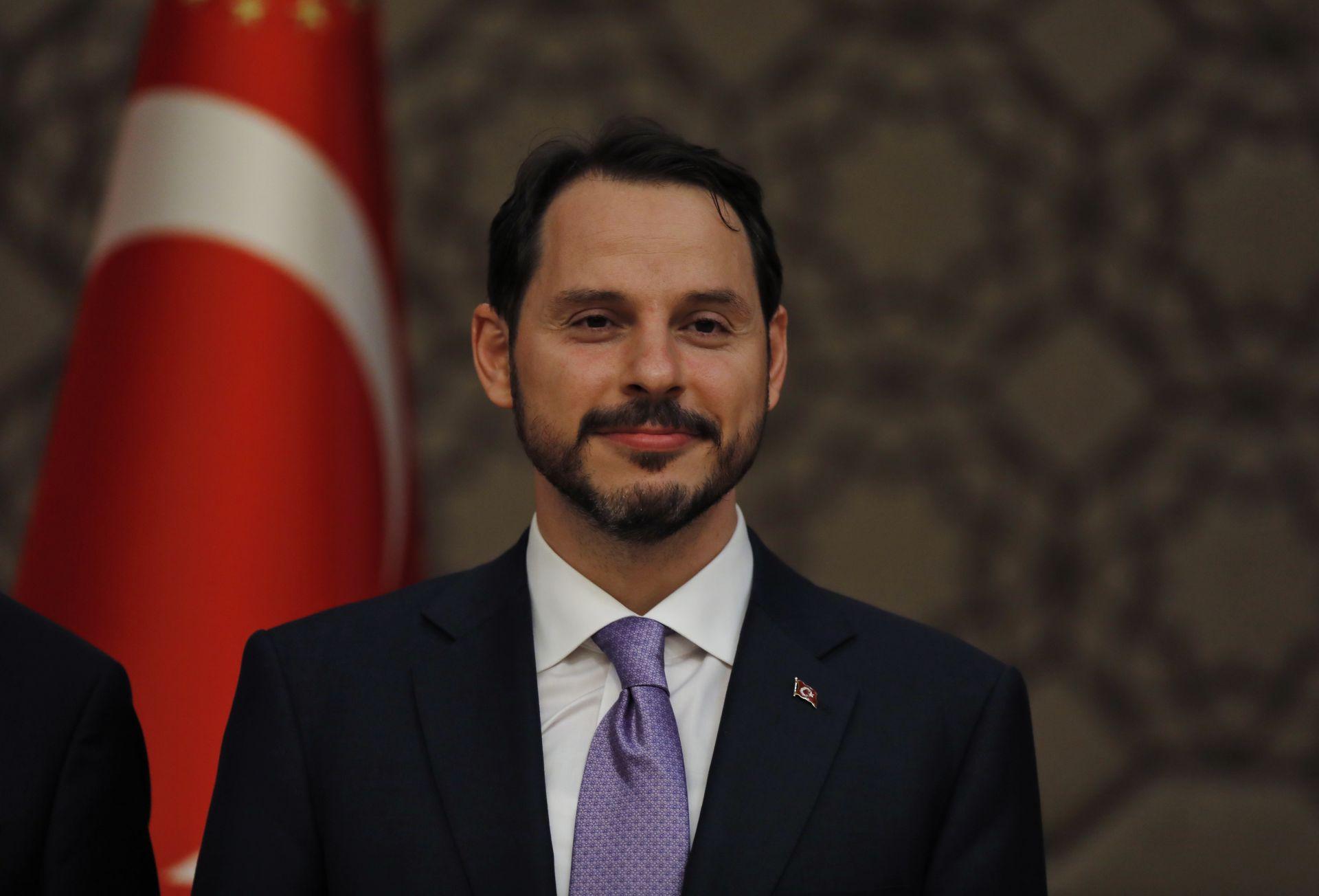 Ердоган повери най-важното министерство - на финансите и съкровищницата - на своя зет Берат Албайрак