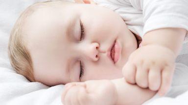 Изследване откри връзка между здравия сън на бебето и храната
