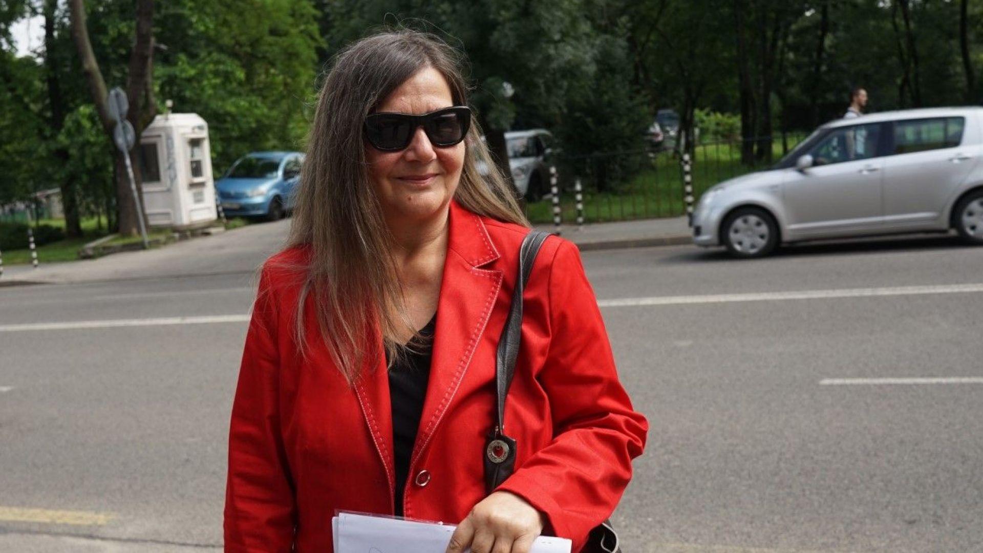 БНР върна Лили Маринкова на работа, след което я прати в пенсия