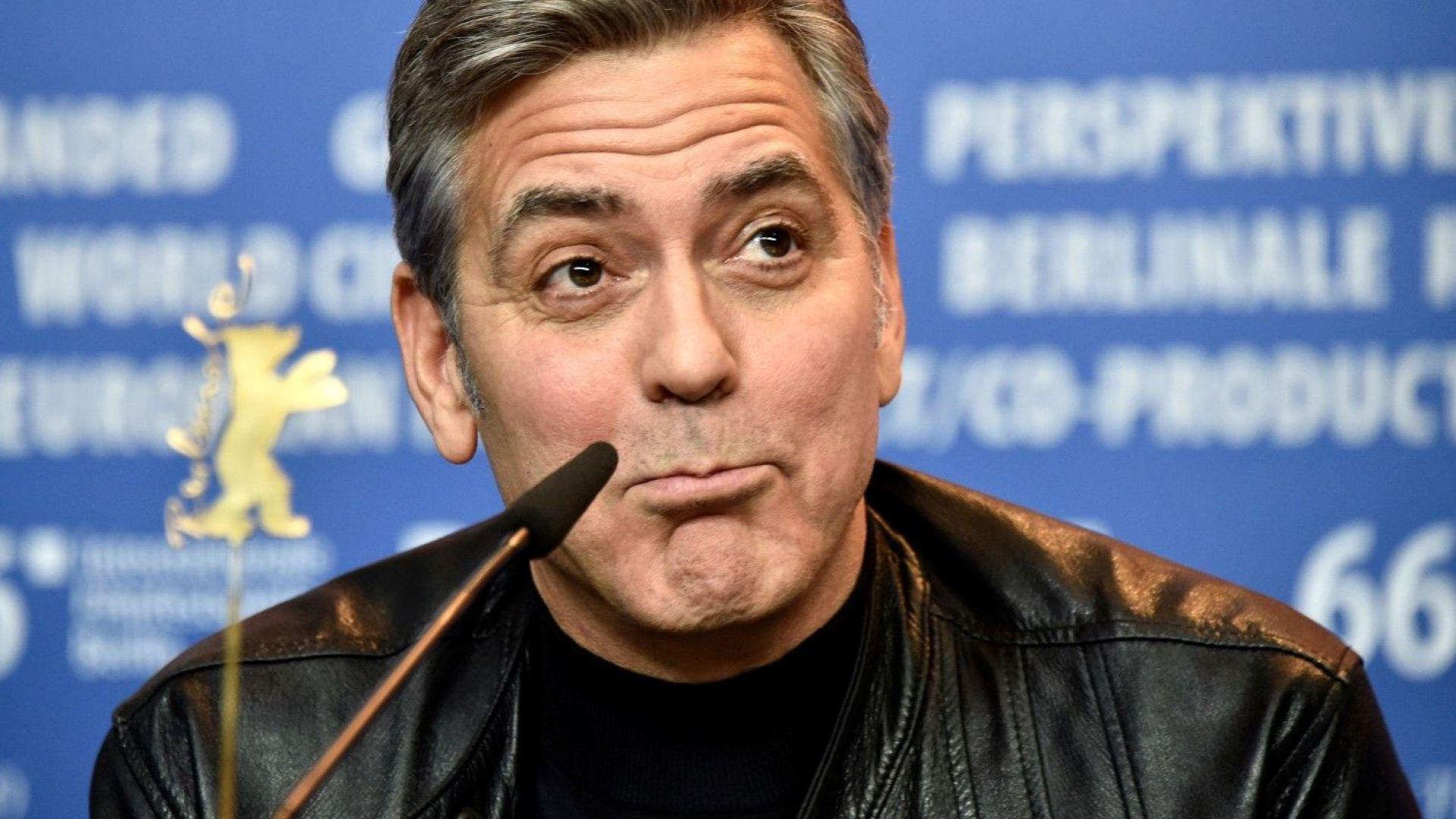 Джордж Клуни е в болница, блъснат от кола