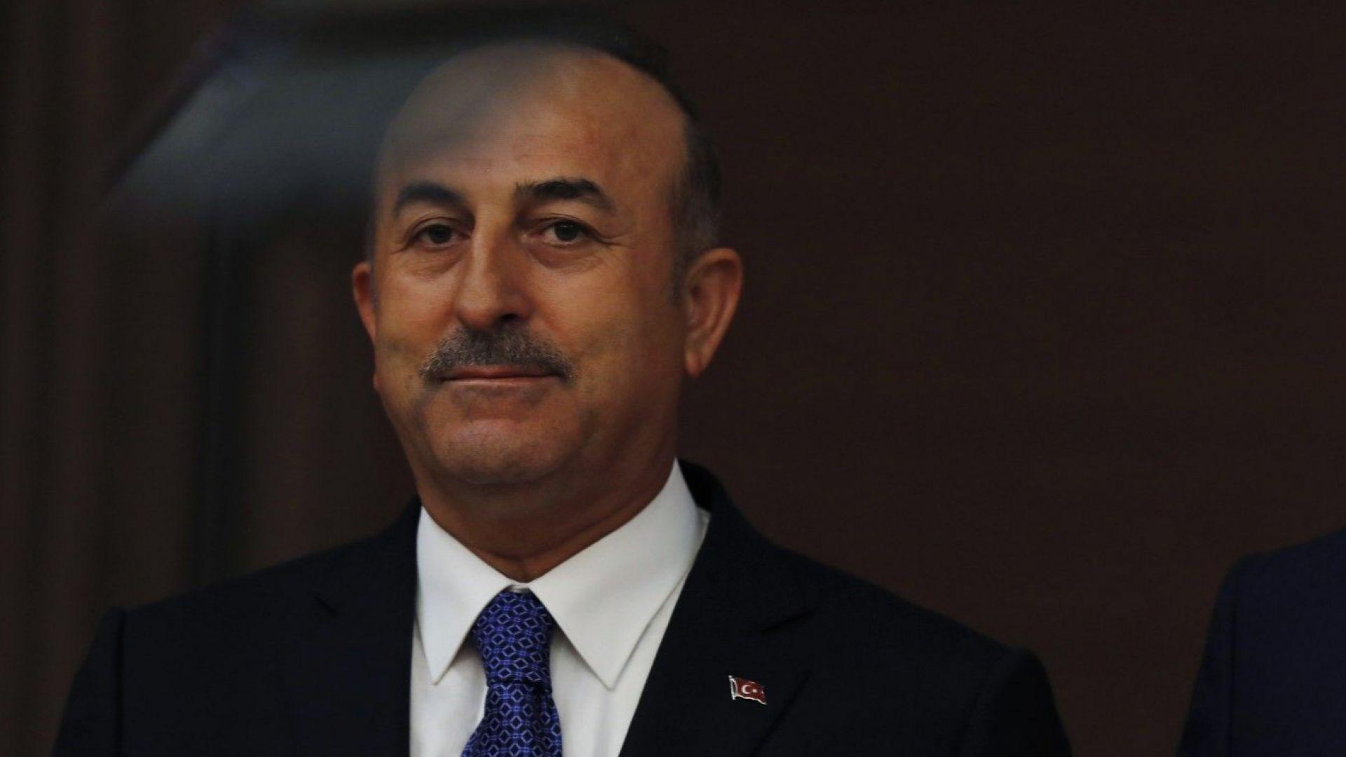 Мевлют Чавушоглу: Турция продължава с доставката на С-400