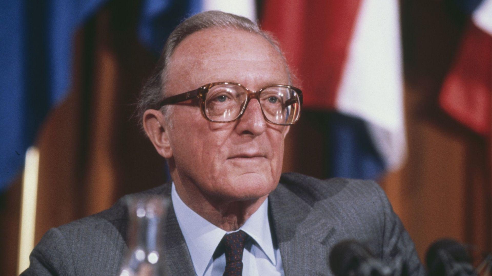 Почина лорд Карингтън - министър от кабинетите на Чърчил и Тачър, ексшеф на НАТО