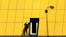 Фотограф изследва цветните райони на Истанбул