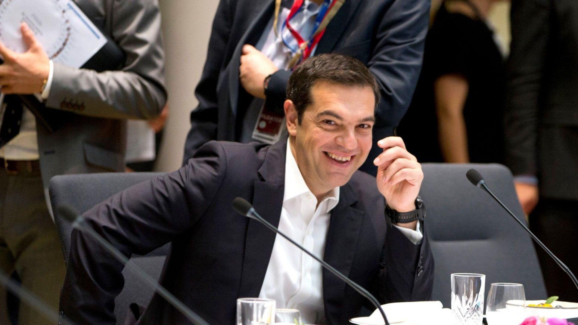 Руските дипломати изгонени от Гърция за опит да провалят споразумението със Скопие