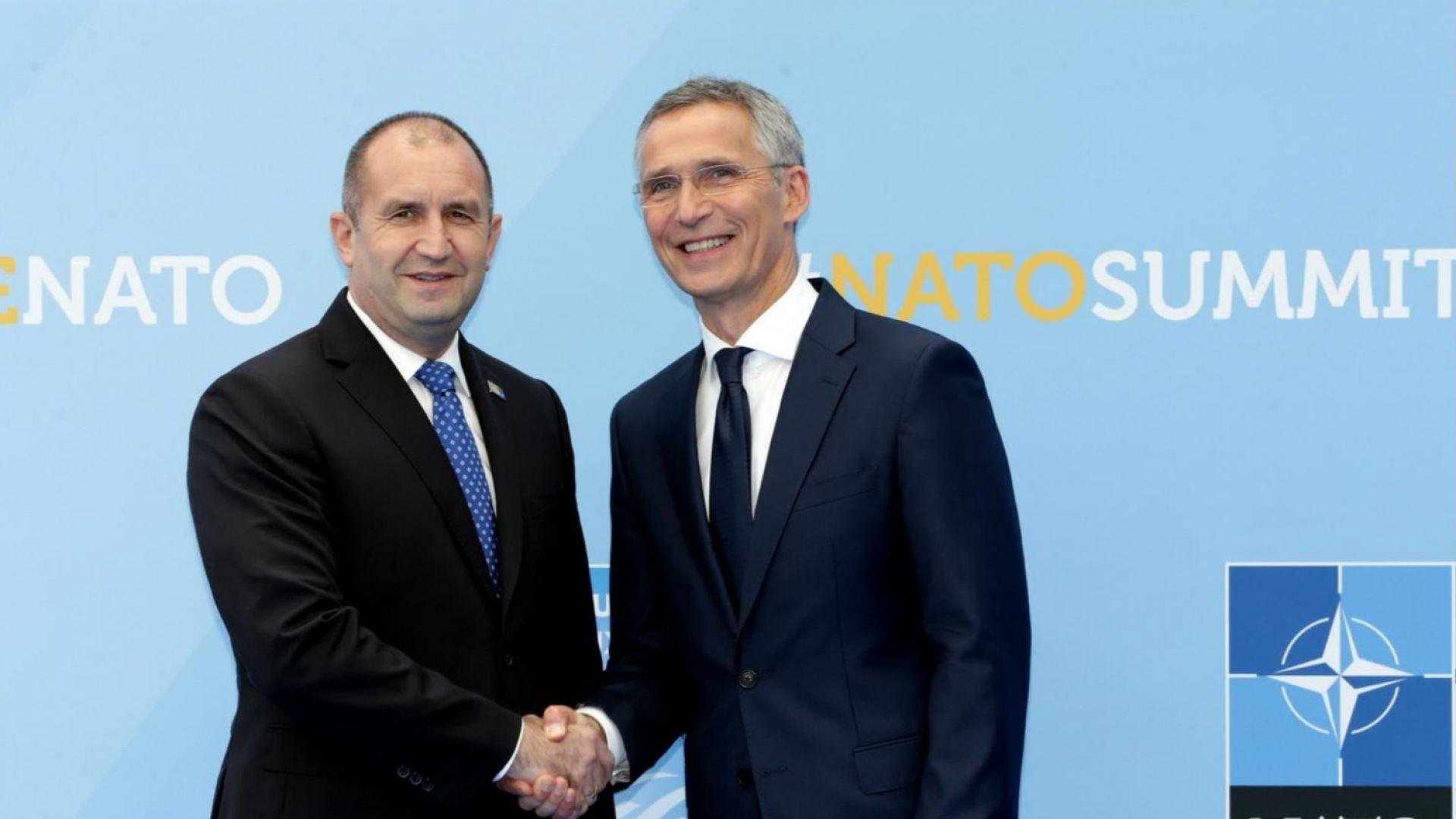 НАТО покани Македония да започне преговори за присъединяване