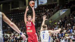Българинът Александър Везенков се оказа част от сложна мегасделка в НБА