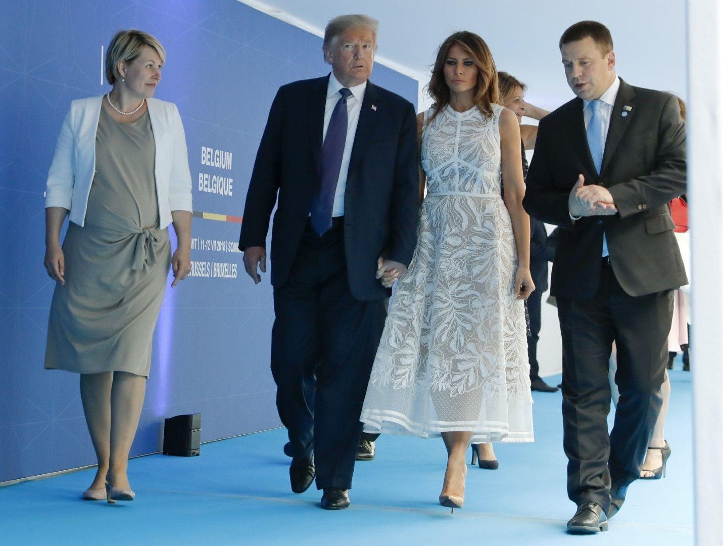 Премиерът на Естония Юрий Ратас със съпругата си и семейство Тръмп